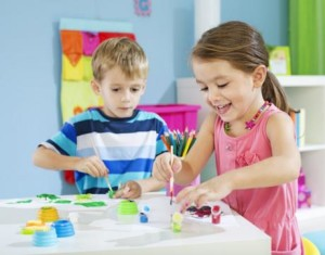 Actividades para entretener a niños en una fiesta.